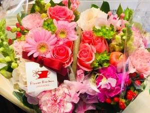 お祝いの花かご